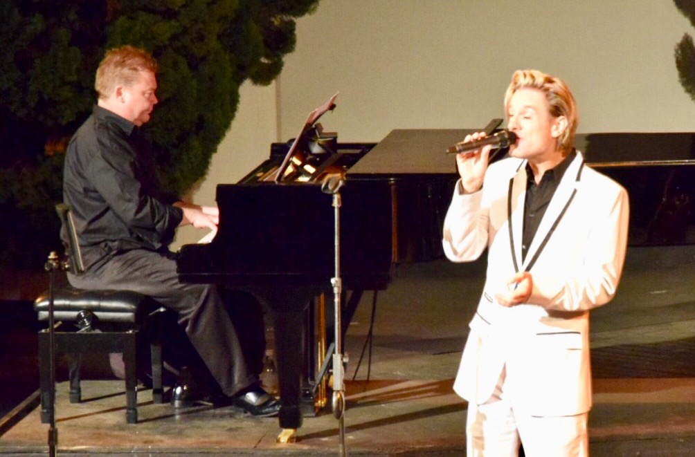 Top wedding singer duo piano voice swing jazz pop entertainment